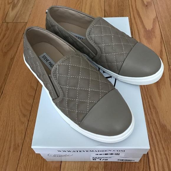 8efcd5f09fd Zaander slip on Steve Madden sneaker. Size 61 2. M 58c979146a5830f9f300d23d