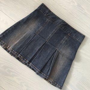 Forever 21 jean pleated skirt