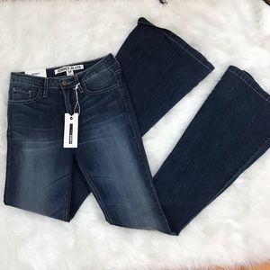 NWT Hidden Jeans Women's Flare jeans sz 27