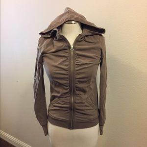 ZELLA Zip up hoodie with detail.