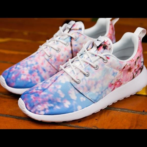 sklep z wyprzedażami Nowe Produkty szczegóły dla Nike ROSHE RUN CHERRY BLOSSOM Euro 37 .5
