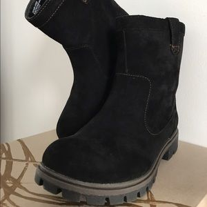 b.o.c. Shoes - b.o.c. black suede booties (7)