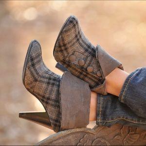 Diba Shoes - Plaid Booties