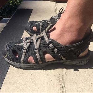 Ahnu Shoes - Ahnu Waterproof Sport Sandal Sz. 8.5 (Fits Sz.9)