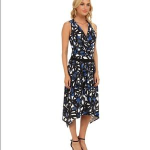 Trina Turk Dresses & Skirts - NWT Trina Turk Keegan Floral Jersey Dress