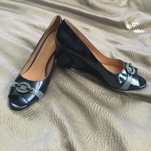 Naturalizer Shoes - 💥💥Price cut! Navy patent leather wedges