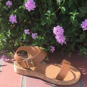 SHOEROOM21 boutique Shoes - Ladies single band, ankle buckle flat sandals. NIB