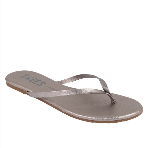 cecbff7107a2 NWT TKEES Frosty Grey Leather Sandals