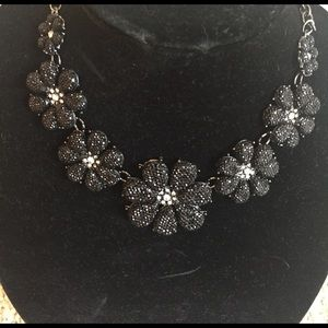 Lux Jewelry - NWT Black and silver flower statement necklace.