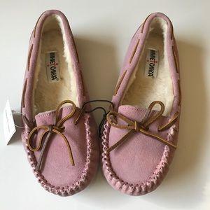 Minnetonka Shoes - NWT Minnetonka suede JR. trapper moccasin slipper