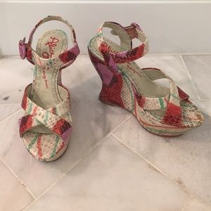 Alice and Olivia snake embossed wedges Size 6
