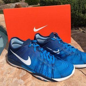 Nike Shoes - NEW Nike Free Athletic Shoes wm 6.5