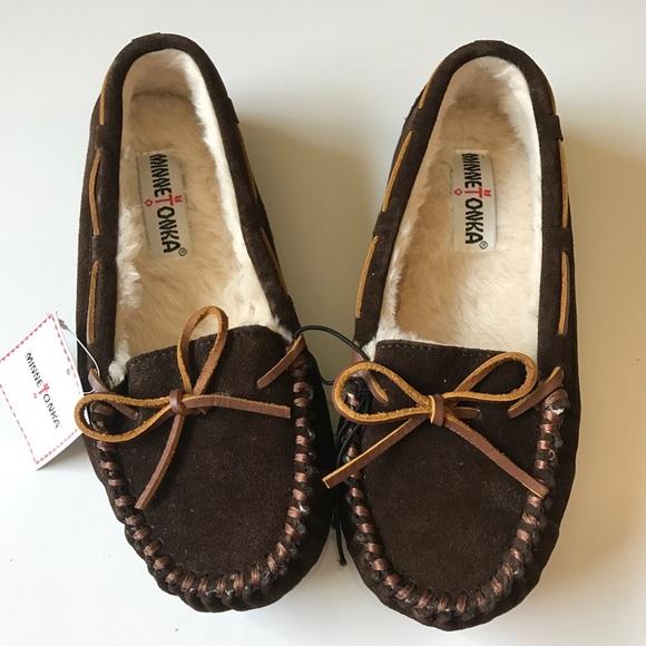 a29500c86b4f NWT Minnetonka suede JR. Trapper moccasin slipper