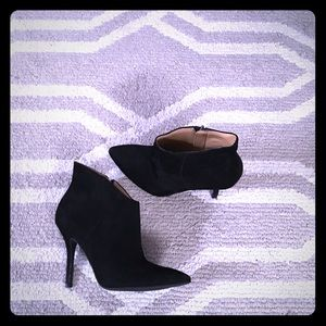 Enzo Angiolini suede ankle bootie
