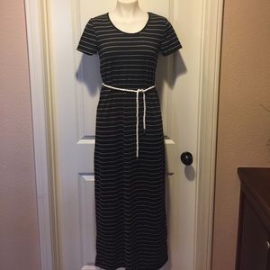 love on a hanger Dresses & Skirts - ✅2 FOR $15✅Cute Maxi Dress🌟
