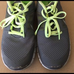 Grey and lime Nike free run 3 brs1000 size 8