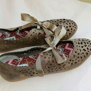 Not Rated Shoes - NWOT Not Rated Laser Cut Bow Flats With Ribbon