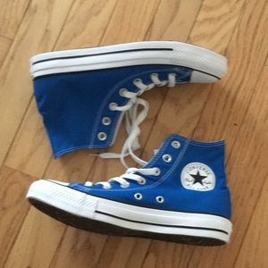 Converse Shoes - NWT High top Converse