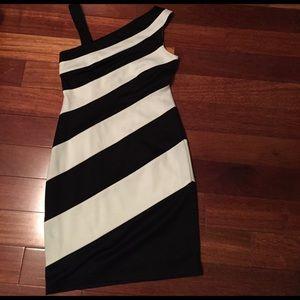 Beautiful black and white dress. Size 2