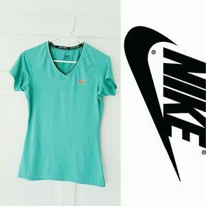Nike Tops - Nike pro short sleeve top! Medium