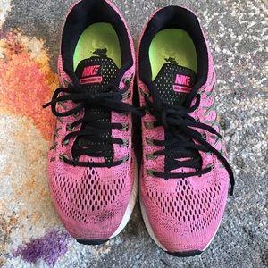 Nike pink zoom Pegasus 32