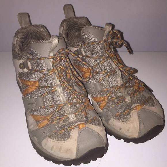 f962ee3c9b7 Merrill size 8.5 women's hiking shoes