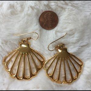 Jewelry - Vintage Shell Earrings