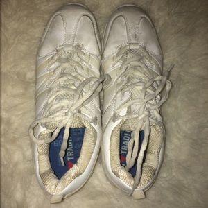 VARSITY Cheer shoes 💚