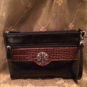 Giani Bernini Handbags - Giani Bernini Florentine Glazed Leather Wristlet