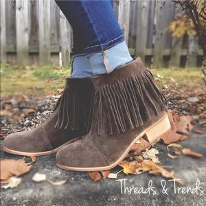 Threads & Trends Shoes - Suede Fringe Booties