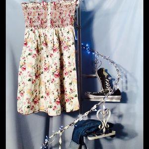 Fun & Flirt Dresses & Skirts - Floral tube top dress
