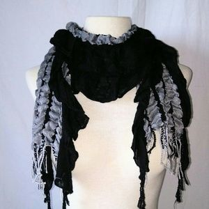 Vintage Accessories - RUNCH & Ruffle Scarf