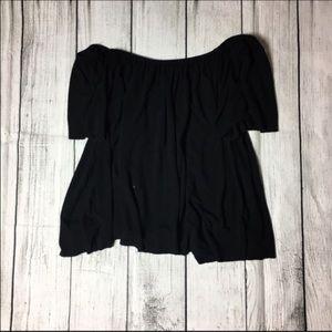 Ecote Tops - Gorgeous black flows off shoulder top ❤