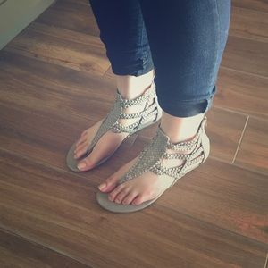 Jessica Simpson Shoes - SALE Jessica Simpson Gray strappy sandals 8M