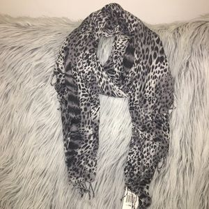 Brand New Kenneth Cole Leopard Scarf