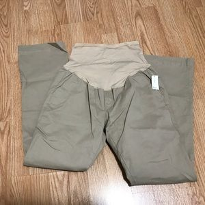 Old Navy Pants - Old Navy maternity khaki pants size 6 full panel