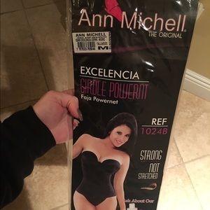 ann michell Other - Ann Michell black original girdle