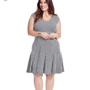 Black and White Houndstooth Print Dress