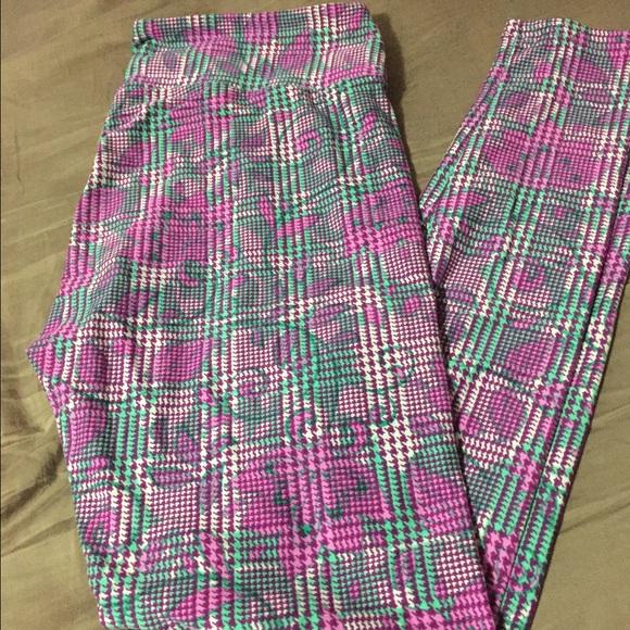 39a0678934d563 LuLaRoe Pants | Tc Leggings Floral Houndstooth | Poshmark