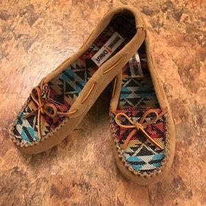 Minnetonka Shoes - Minnetonka Moccasins leather size 9.5 ladies