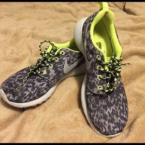 Nike roshe 6.5!