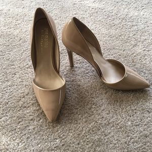 Ann Marino Shoes - Nude Pointed Heel