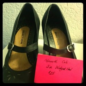 Kenneth Cole Reaction wedged mary-jane black shoes
