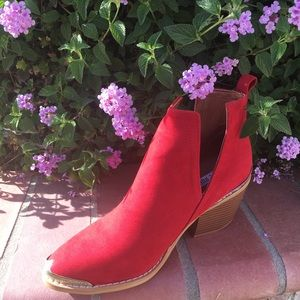 SHOEROOM21 Boutique Shoes - Ladies pointed steel toe cowboys booties. Red