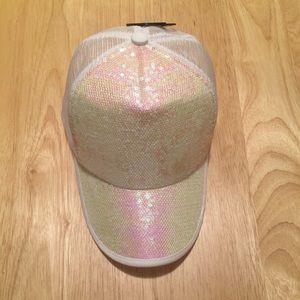 Accessories - Bright white Ladies truckers hat w/sequin