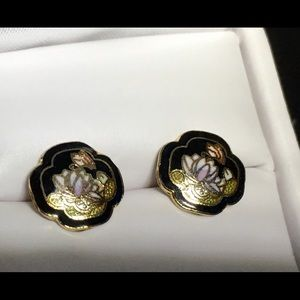 Vintage Jewelry - ♦️VINTAGE GOLD WATER LILY INLAY STUDS