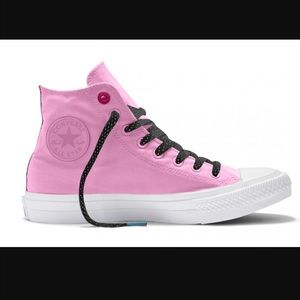 Converse Shoes - Pretty! 🎀 Brand new Converse Chuck Taylors