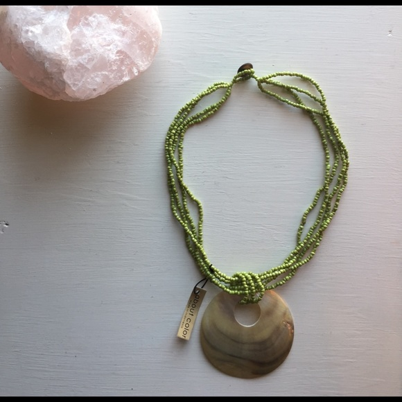 about color Jewelry - beaded shell necklace 🐚