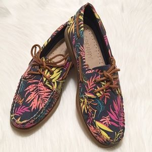 Sperry Shoes - NWT Sperry 2-Eyelet Boat Shoes!