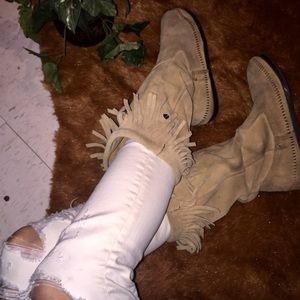 Minnetonka Shoes - Minnetonka Fringe Moccasins Boots Size 8